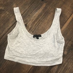 Kendall & Kyle Gray Crop Top Size Small